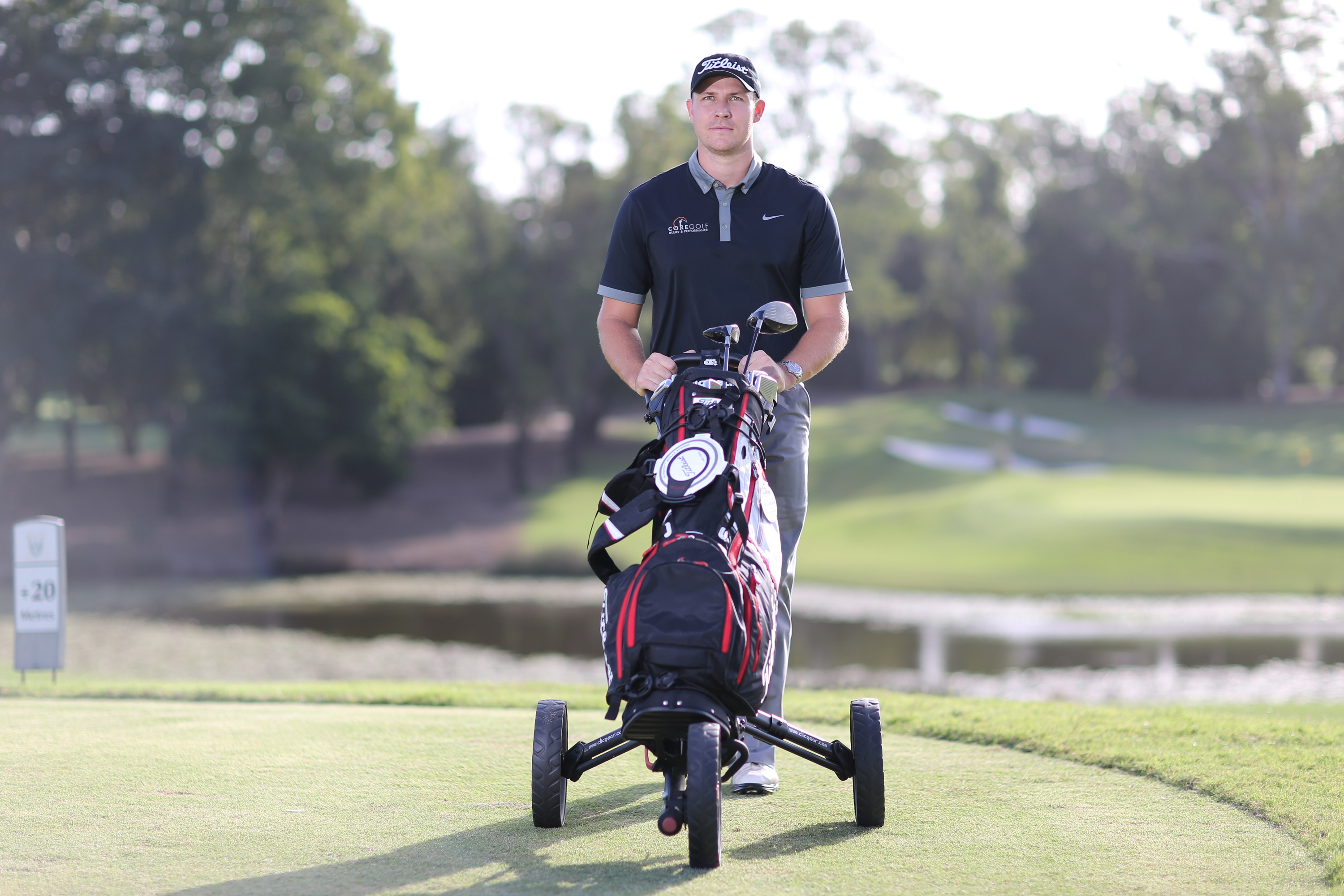 Should Golfers Push, Pull or Carry Their Clubs? | Article | TPI
